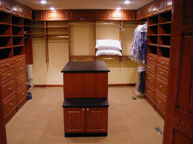 Bedroom and closet - Master walk in closet design ...